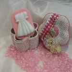 Φόρεμα για κοριτσάκι. Πρωτότυπα δωράκια για τη βάπτιση. Μπορείτε να το χρησιμοποιήσετε για δωράκι στη βάπτιση, ή για το σαπούνι που θα χρησιμοποιηθεί στη κολυμπήθρα