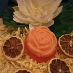 Τριαντάφυλλο. Μπορείτε να το χρησιμοποιήσετε για δωράκι στη βάπτιση, ή για το σαπούνι που θα χρησιμοποιηθεί στη κολυμπήθρα