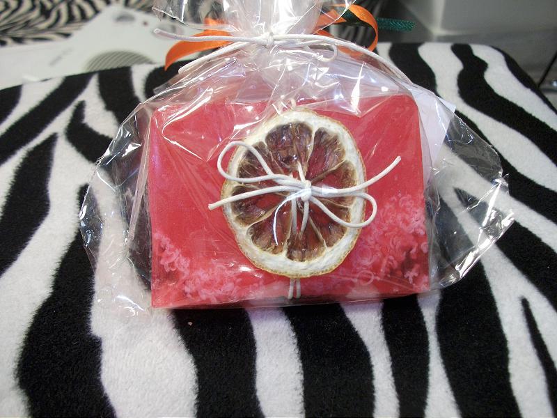 Σαπούνι γλυκερίνης για καλλυντική χρήση με βούτυρο καριτέ και διάφορα αιθέρια έλαια