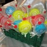 Σαπουνάκια σε διάφορα σχέδια και χρώματα που κάνουν ευωδιαστά τα παιδικά πάρτυ. Πρωτότυπο και εύχρηστο αναμνηστικό δωράκι για τους καλεσμένους σας μικρούς και μεγάλους.